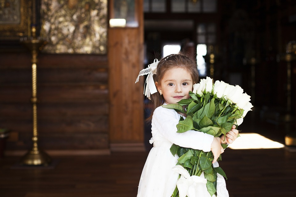 1fee5f03a55 13 Cutest Flower Girl Dresses