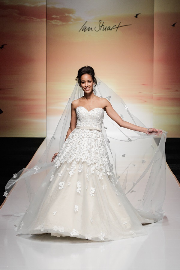 Ian-Stuart-2016-collection-at-White-Gallery-London