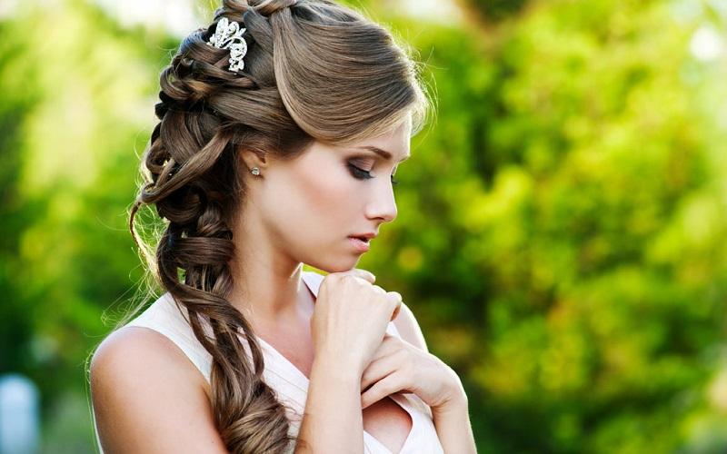 Hair for Halter Dress