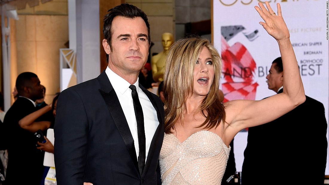 Jennifer Aniston and Justin Theroux marry