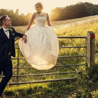 Throw a country chic wedding