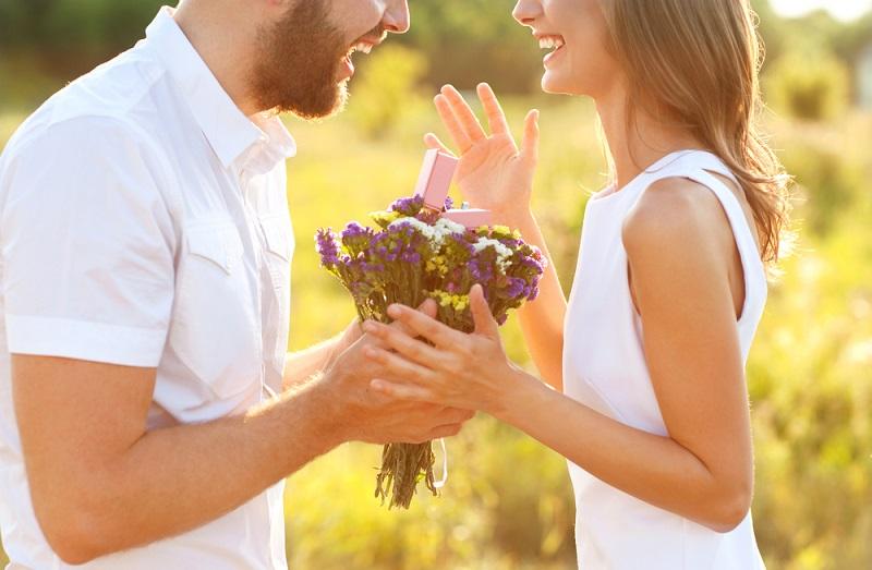 Wedding Anniversary Gifts Modern: Wedding Anniversary Traditions