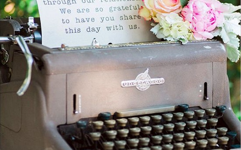 Twelve props to transform your wedding venue