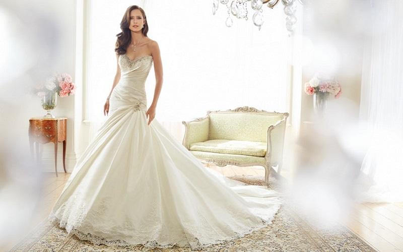 Drop Waist Wedding Dress Inspiration 37 Stunning Styles Wedding Journal