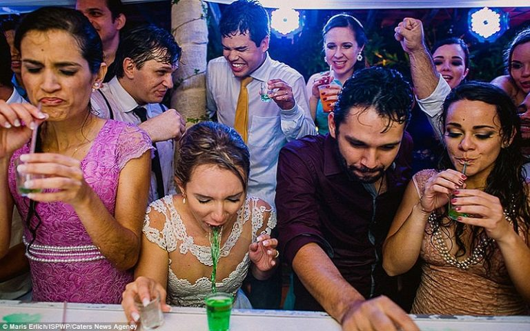 The funniest wedding photos ever!