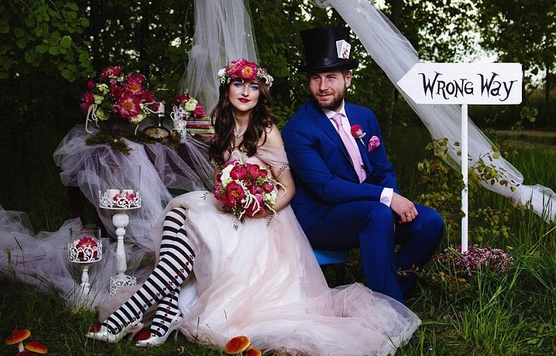 One Couple's Amazing Alice In Wonderland Themed Wedding