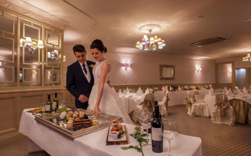 Woodford-Dolmen-Hotel-Online-Listing