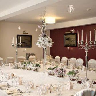 Falls-Hotel-&-Spa-Resort-Reception-Tables