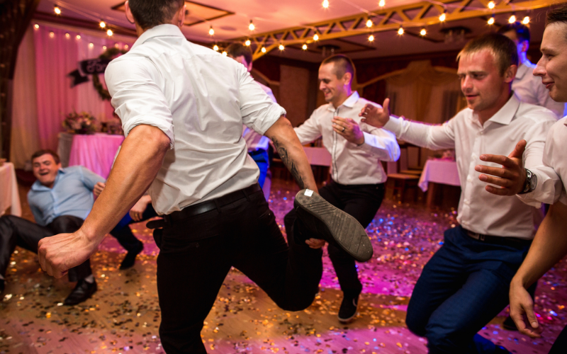 5-Reasons-To-Have-A-Ceilidh-Wedding-McStokers-Band-Native-Content