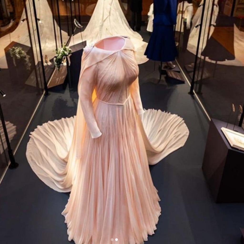 Princess Eugenie S Second Wedding Dress Inspiration Wedding Journal