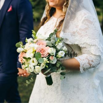 Wedding-Dresses-For-Curvier-Brides