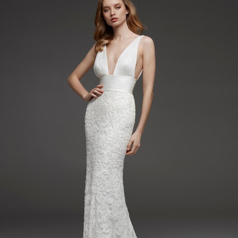 Destination-Wedding-Dress-Pronovias