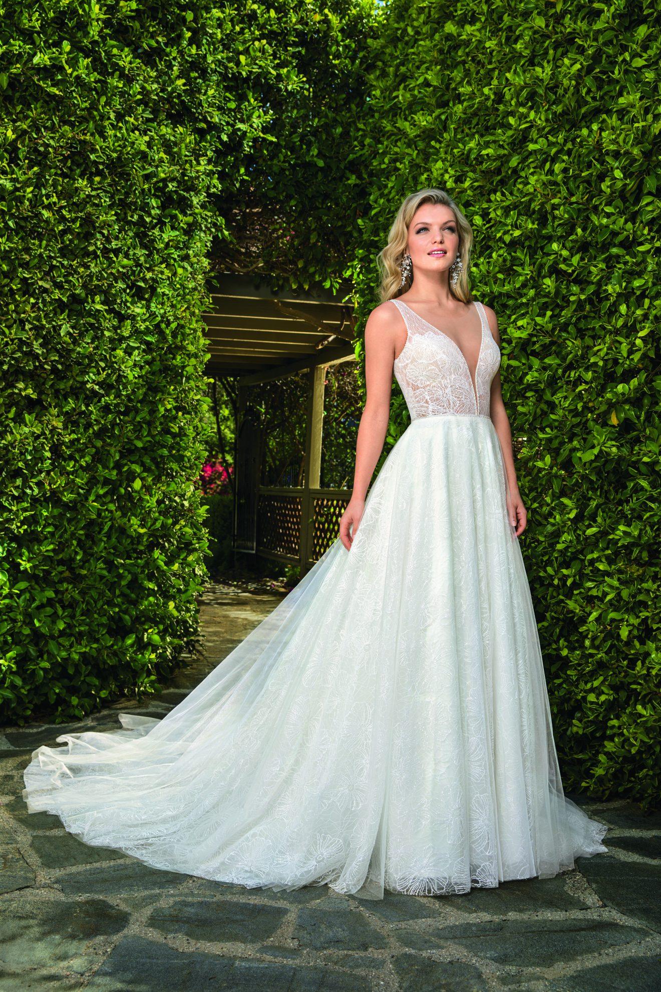 Style:2353-Casablanca-Dress-Finder