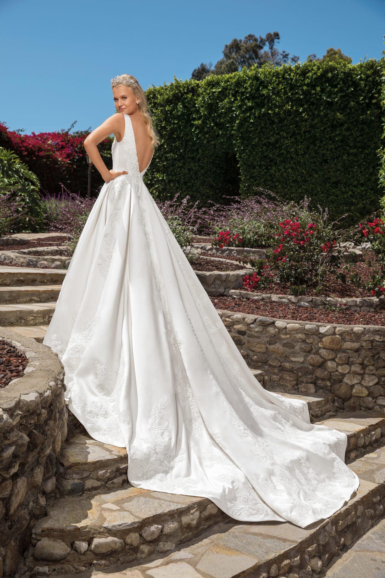 Style 2372 Vivian Wedding Dress Wedding Journal