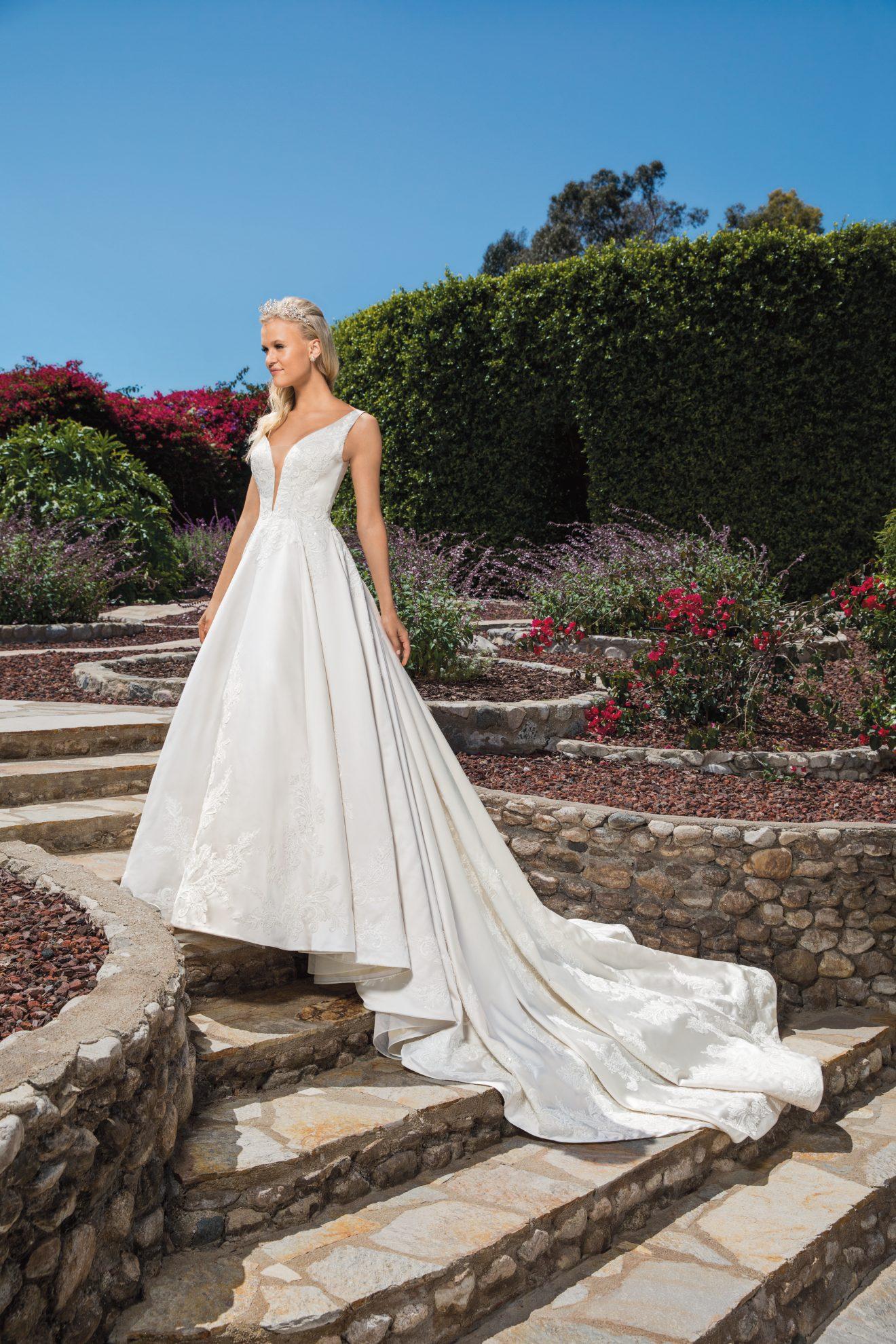 Style:2372-Casablanca-Dress-Finder