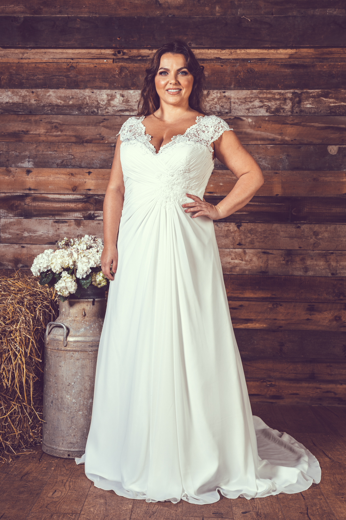 BE26-Victoria-Kay-Designer-WJ-Dress-Finder