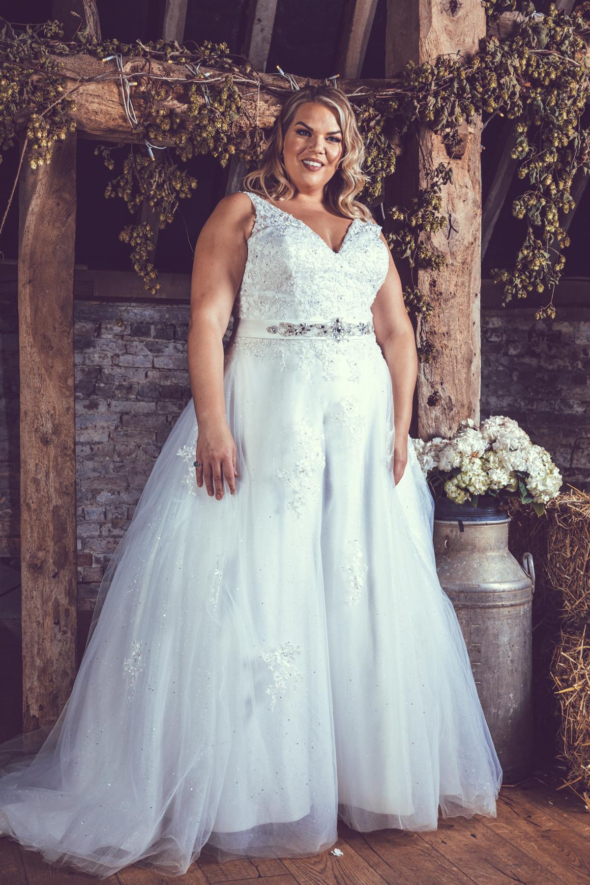 BE71-Victoria-Kay-Designer-WJ-Dress-Finder