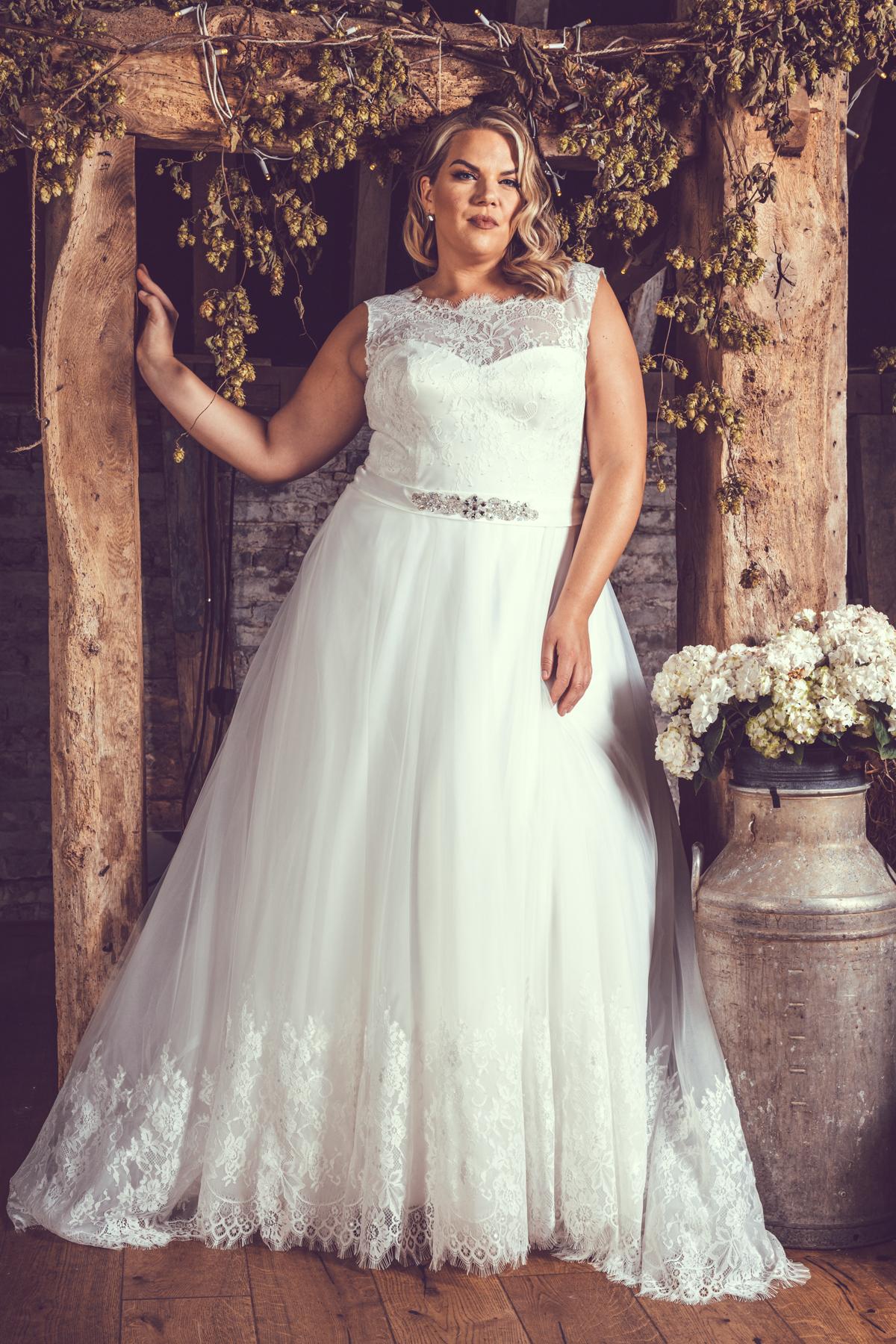 BE72-Victoria-Kay-Designer-WJ-Dress-Finder