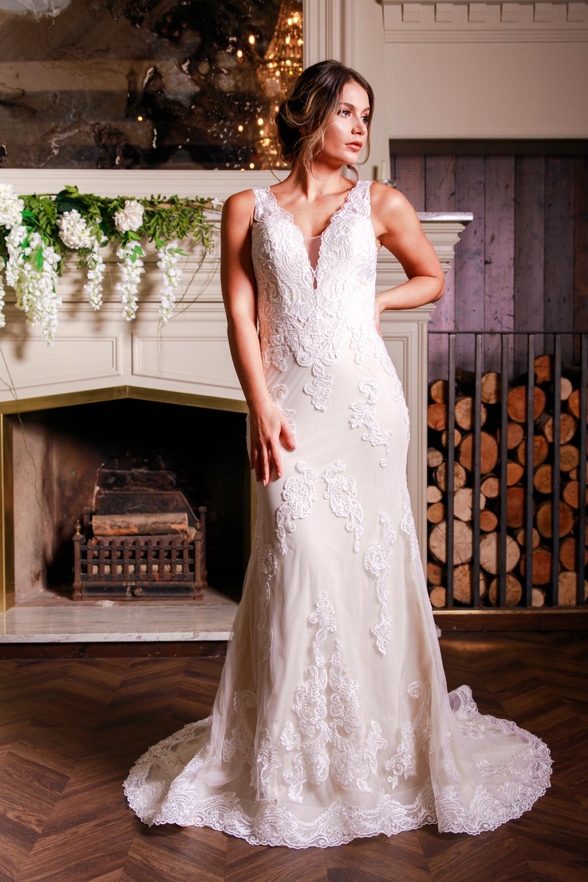 W313-Victoria-Kay-Designer-WJ-Dress-Finder