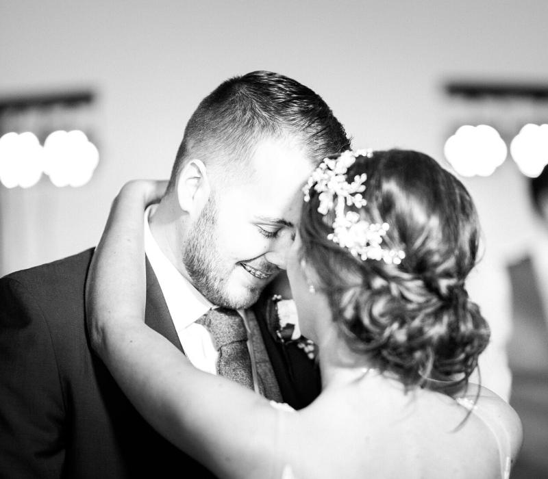 Chloe-and-Liam-Real-Life-Wedding (1)