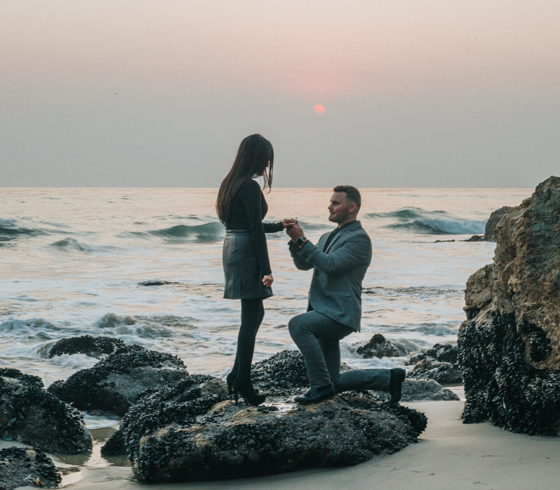 Couple-Getting-Engaged