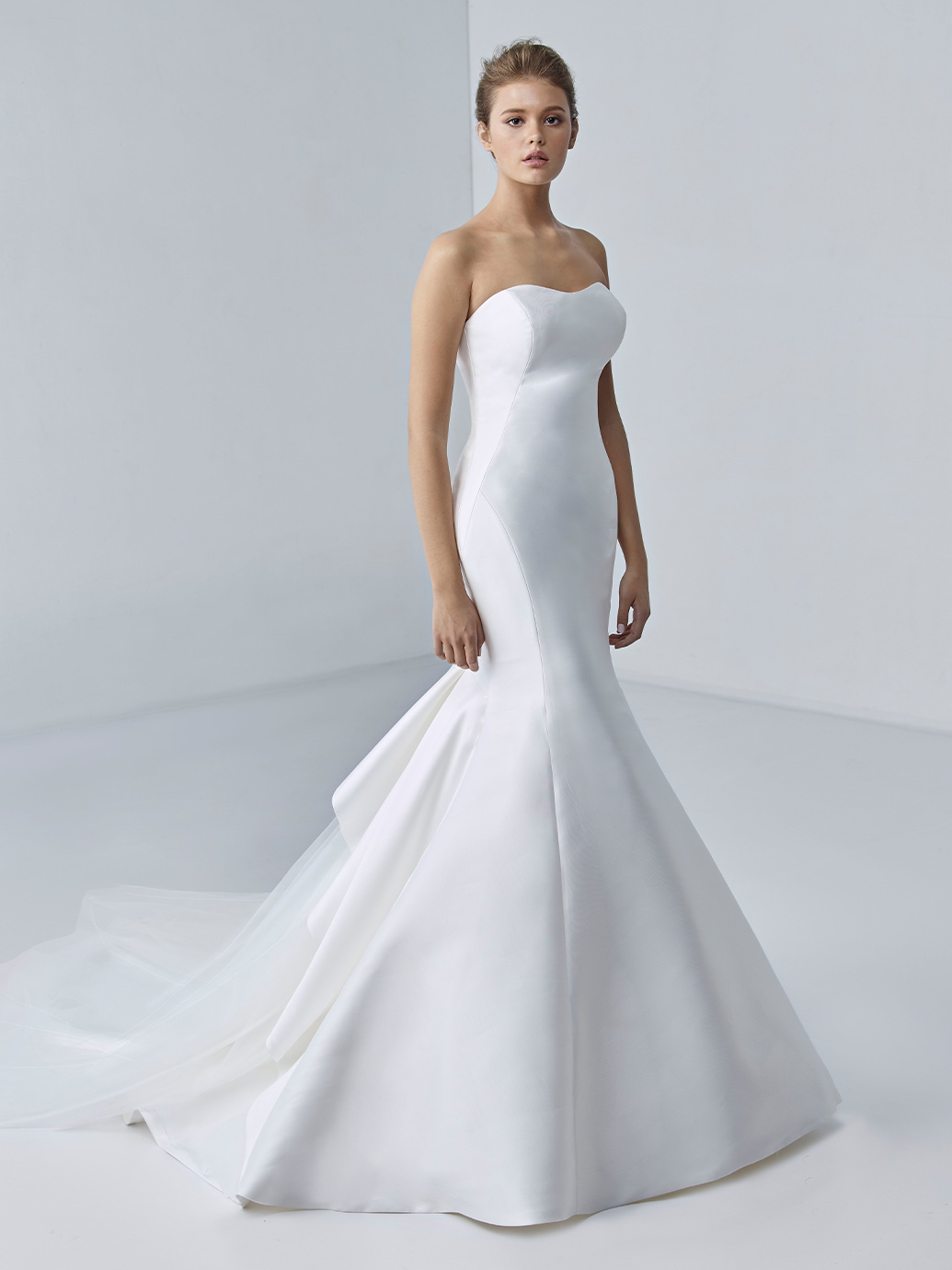 étoile-by-enzoani-2021-Dress-Finderétoile-by-enzoani-2021-Dress-Finder-Adeline