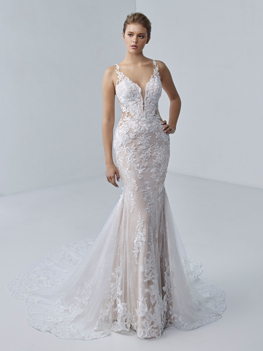 étoile-by-enzoani-2021-Dress-Finderétoile-by-enzoani-2021-Dress-Finder-Adrianna