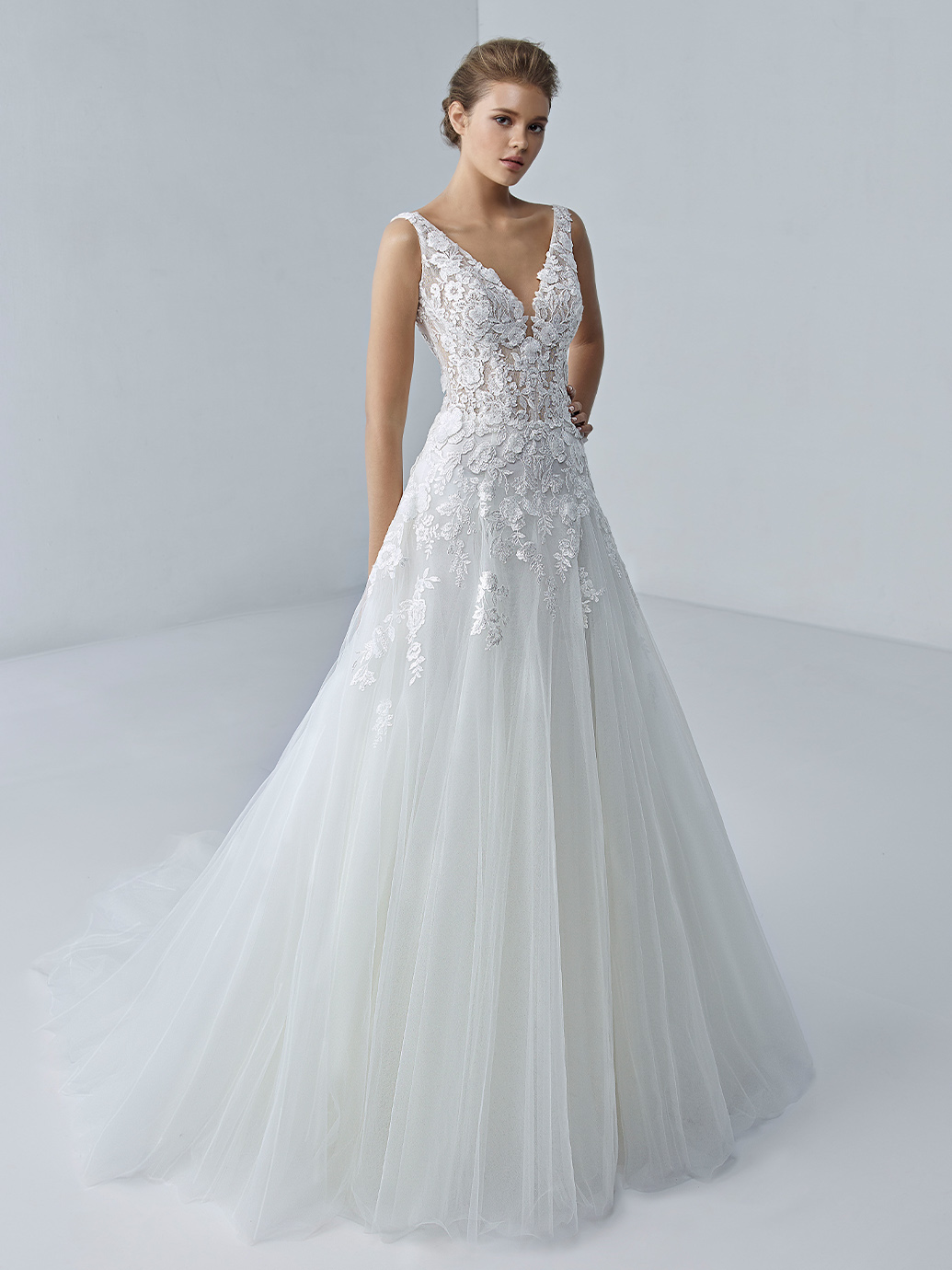 étoile-by-enzoani-2021-Dress-Finderétoile-by-enzoani-2021-Dress-Finder-Alaina