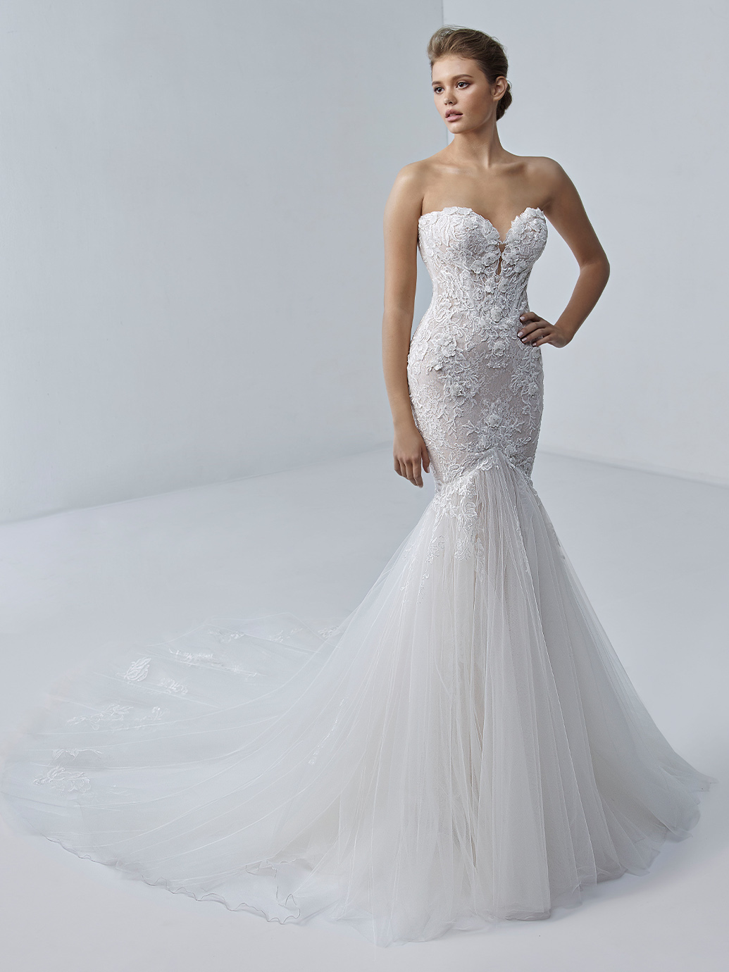 étoile-by-enzoani-2021-Dress-Finder-Angelique