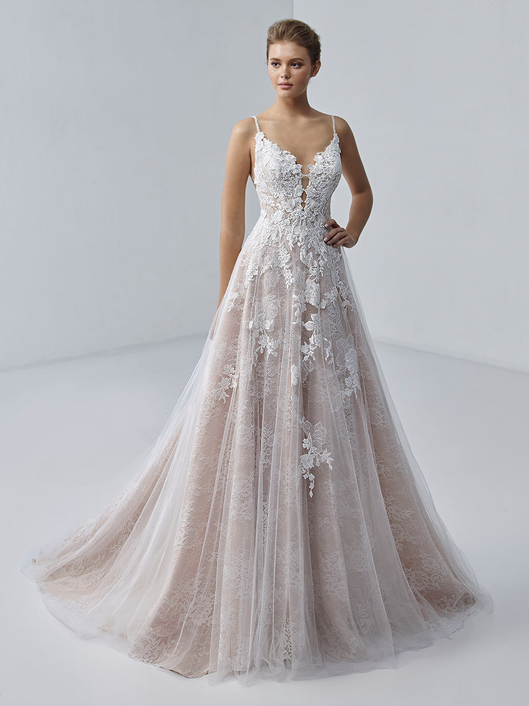étoile-by-enzoani-2021-Dress-Finder-chloe