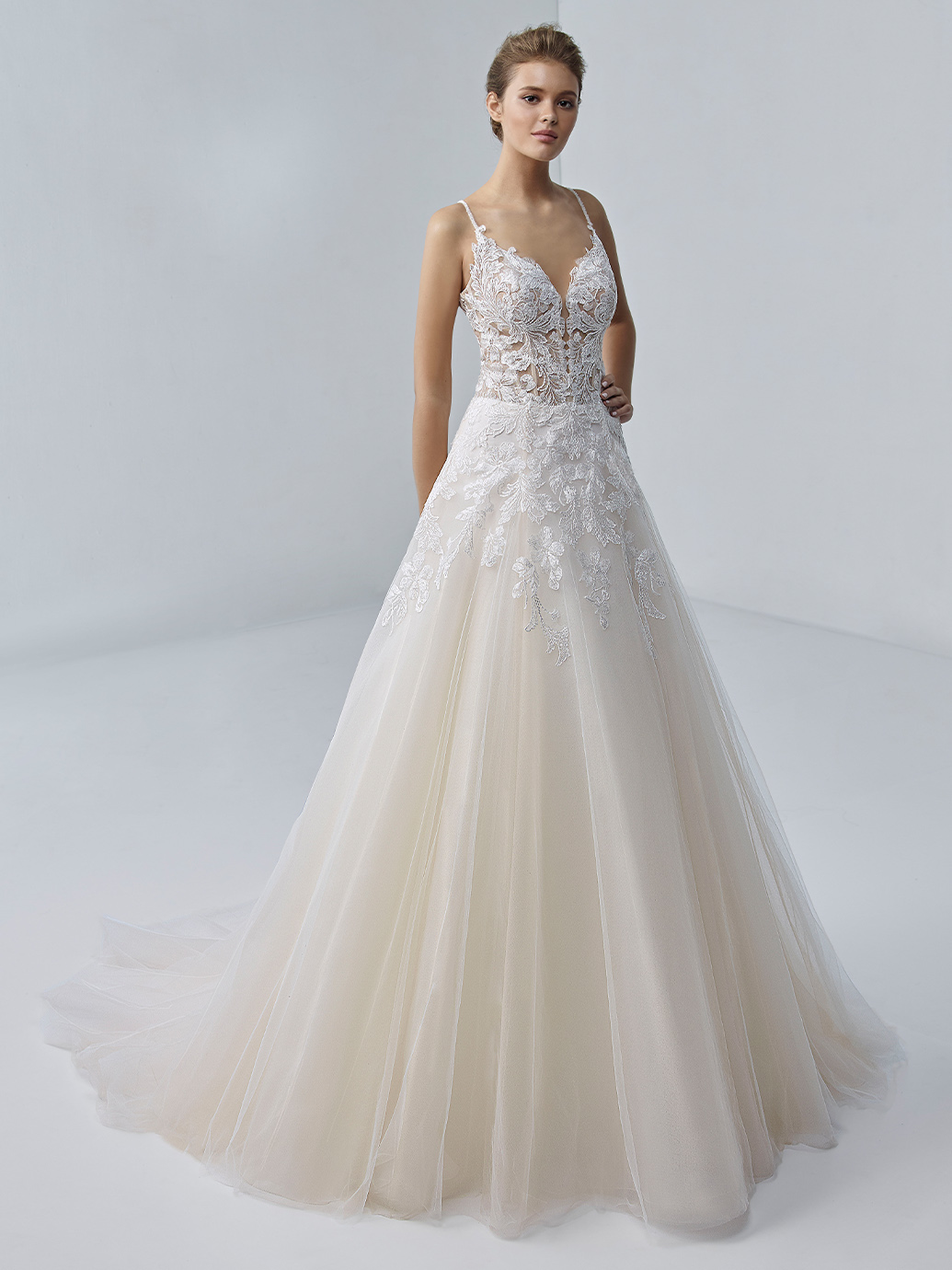 étoile-by-enzoani-2021-Dress-Finder-etiennette
